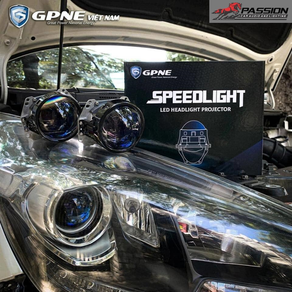 Ảnh speedlight được gắn trên xe thực tế | Passion auto