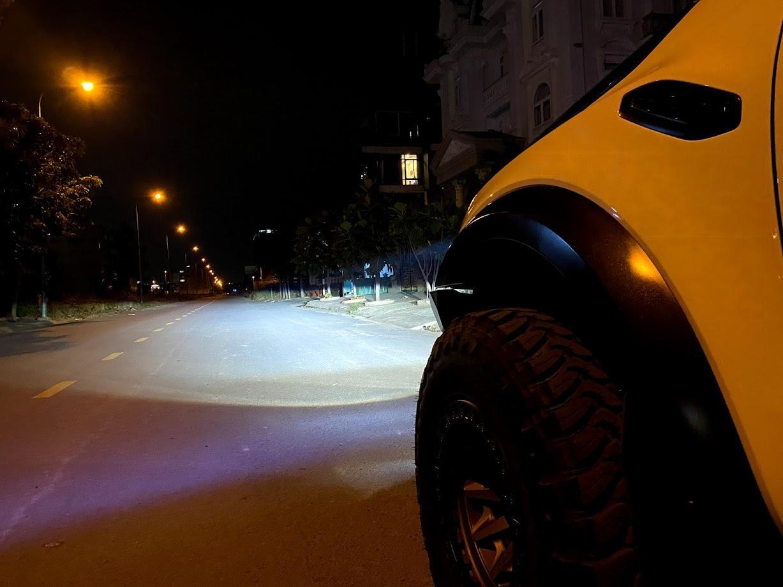 Khả năng chiếu sáng thực tế lên vài trăm mét của Bi Laser MT AZ L6 tại Passion Auto